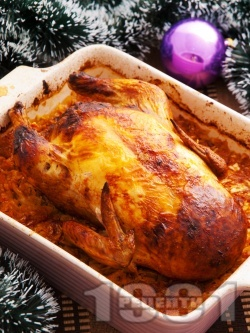Пълнено коледно пиле с кисело зеле - снимка на рецептата